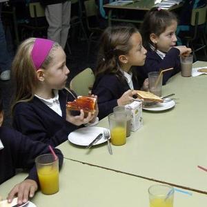 Los comedores escolares tendr n pautas comunes de men s for Comedores escolares en colombia