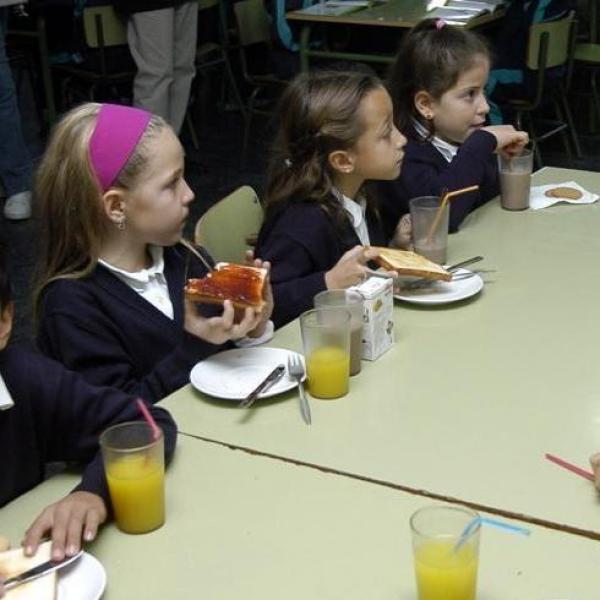 Ser familia monoparental y numerosa puntuará para becas de comedor ...