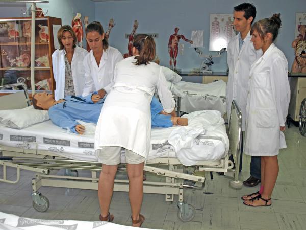 La escuela de enfermer a de la fe de valencia prepara su - Hospital nueva fe valencia ...