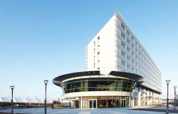 el nh lyon a roport el mejor hotel cerca de un aer dromo. Black Bedroom Furniture Sets. Home Design Ideas