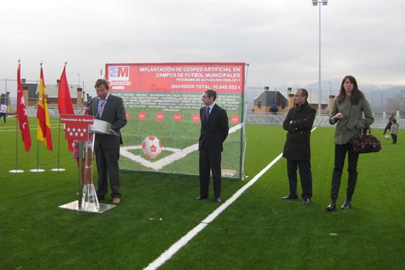 Venturada estrena nuevo campo de f tbol de c sped artificial - Cesped artificial colombia ...