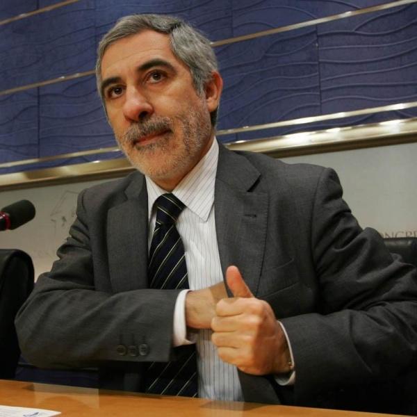 23 de enero 2012 (edición especial elecciones) Llamazares-cree-psoe-deberia-aprender-derrota-socialista-portugal-combatir-golpe-mercados_1_739501