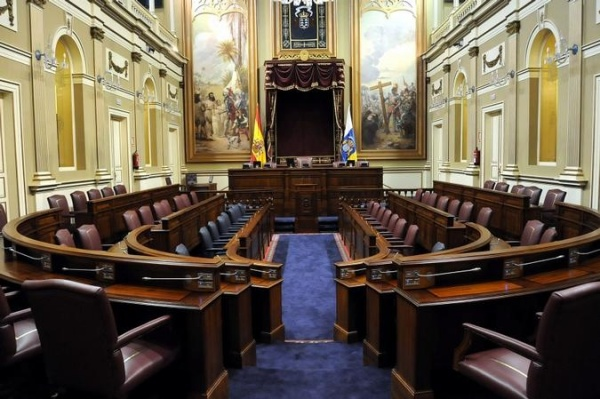 El parlamento de canarias acoge la permanente de la for Parlamento sede