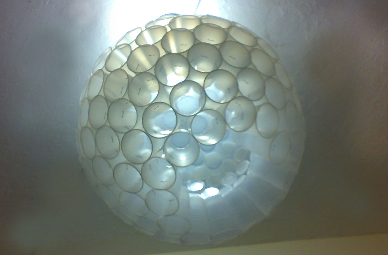 Como hacer una l mpara de techo con material reciclable f cil - Como hacer lamparas de techo artesanales ...