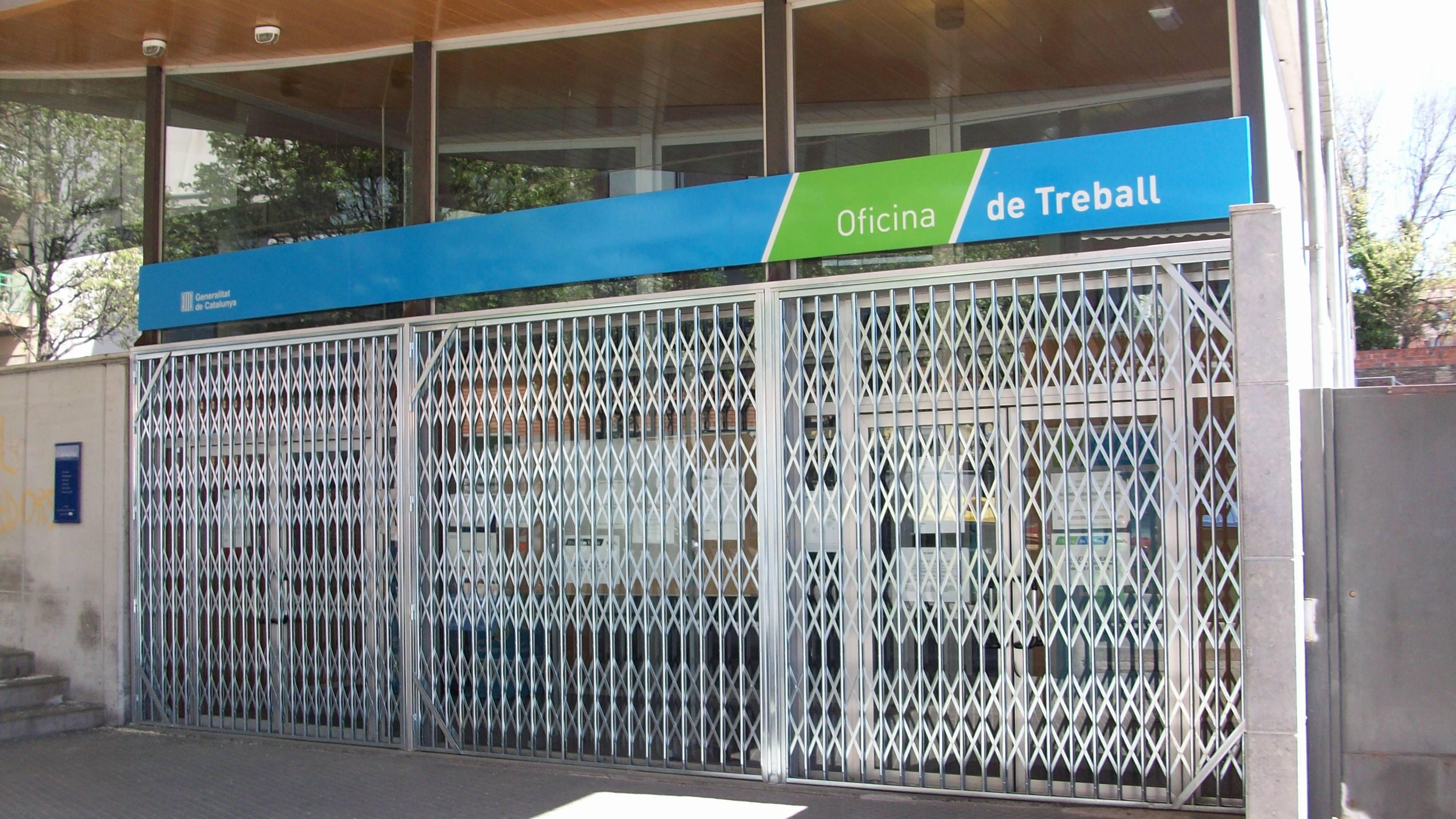 La situaci n en las oficinas de empleo de catalunya for Caja de cataluna oficinas