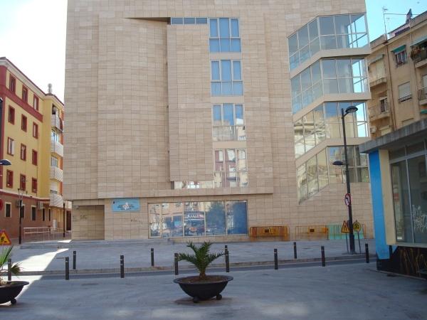 Uso critica que el edificio del centro de salud san juan sigue cerrado 15 - Centro de salud san juan ...