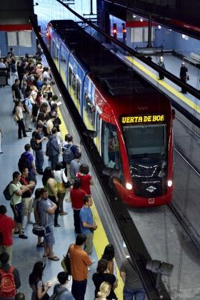 Nuevo metro ligero oeste expr s sin paradas entre ferial for Metro ligero colonia jardin