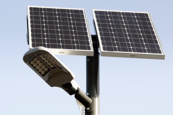 Farolas led fotovoltaicas para el aeropuerto de barajas - Farolas led solares ...