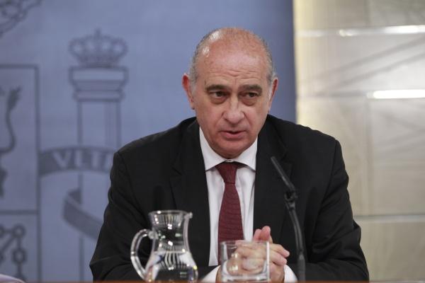 El ministro del interior algunos sectores quieren dividir for Ministro de interior espana