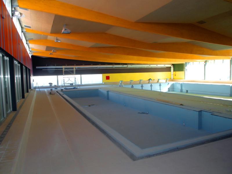 Abre sus puertas la piscina climatizada de socu llamos for Piscina municipal ciudad real