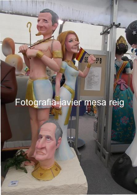 reyes-espana-felipe-dona-leticia-protagonistas-exposicion-ninot-2015-fallas-valencia_3_2216024.jpg
