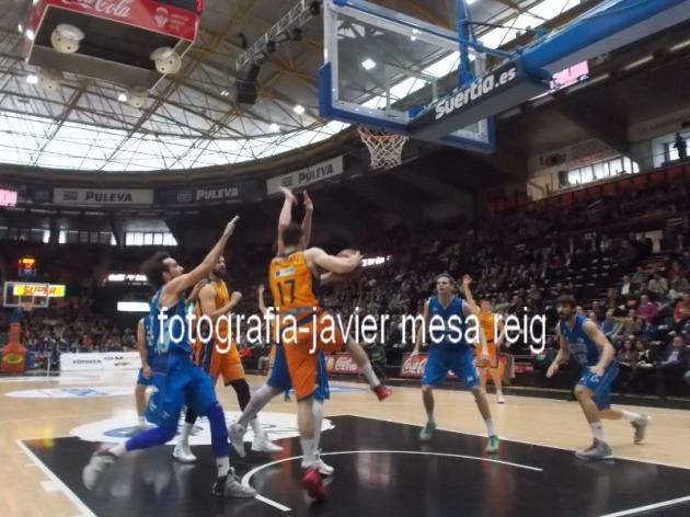 El Valencia Basket Humillo Al Guipuzcoa Basket En El Pabellon De La