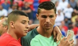 Ronaldo, intrusos y selfies