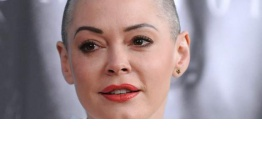 Rose McGowan acusa a Ben Affleck de encubrir los abusos de Harvey Weinstein