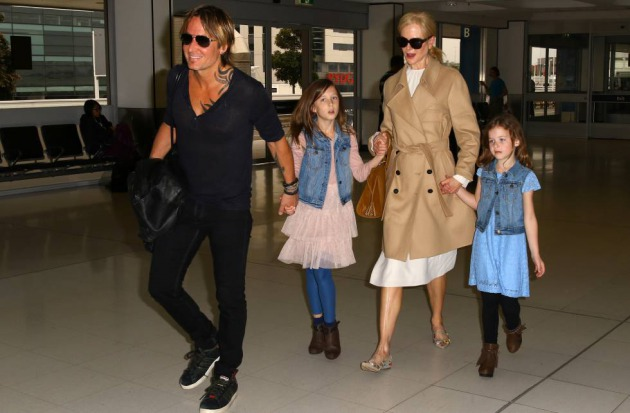 Nicole Kidman y Keith Urban con sus hijas Faith Margaret and Sunday Rose en marzo de 2017 en Sidney.